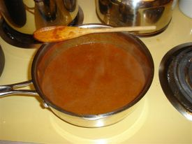 Enchilada_sauce_cooking